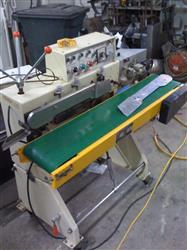 204874 - Continuous Bag Sealer with Conveyor