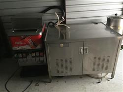 211359 - 6 head Soda/Coke Dispensing Machine with FOLLETT Ice Maker and Pumps