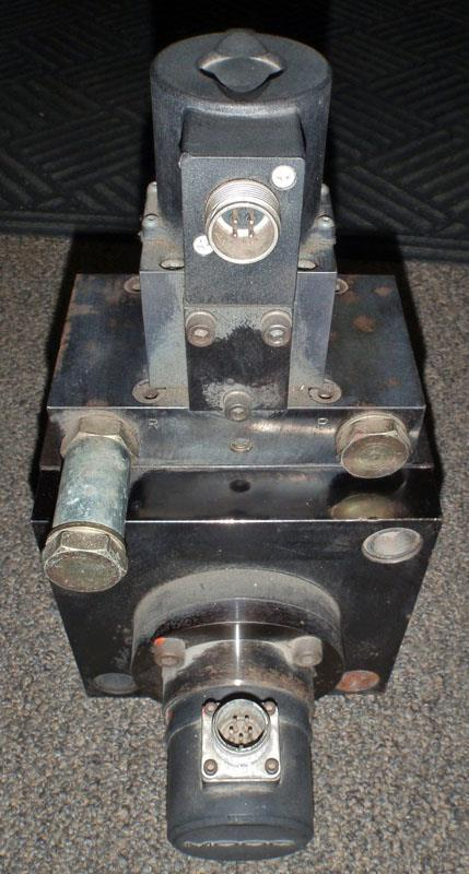 Image MOOG B35829-3 Program Cylinder B35829-3 With Servo Valve And LVDT 627872