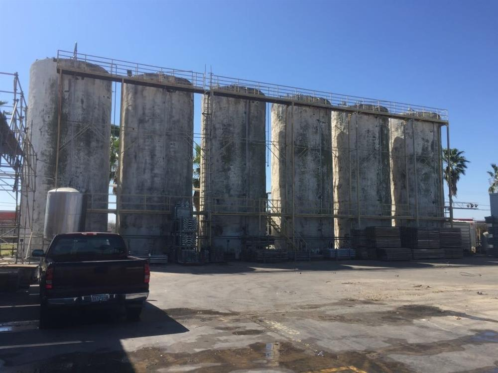 Image 60000 Gallon Stainless Steel Tank - 6 Identical Units Available 943573