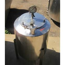 214431 -  8 Gallon Stainless Steel Tank