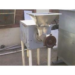 214605 - BUTCHER BOY BB-56 Meat Grinder