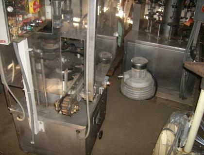 Image 12 Head / 60 BPM SEITZ Bottle Filling Line 711089