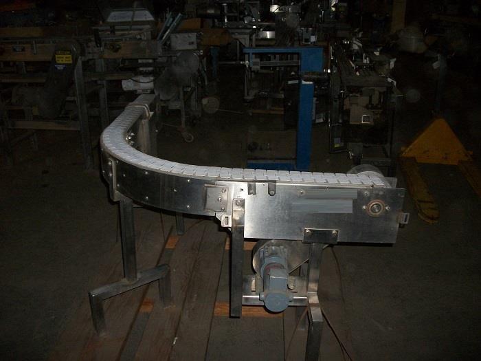 Image 90 Degree Turn Plastic Link Belt Conveyor 726523