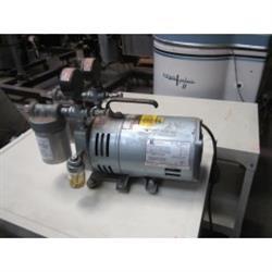Image 1/3 HP GAST Vacuum Pump 643147