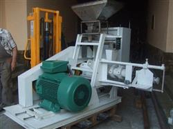 217196 - 550 LB/HR Extruder and Counter-Flow Ribbon Mixer
