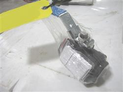 227646 - 1.5in JAMESBURY Series 6F Ball Valve (One Lot Of 90)