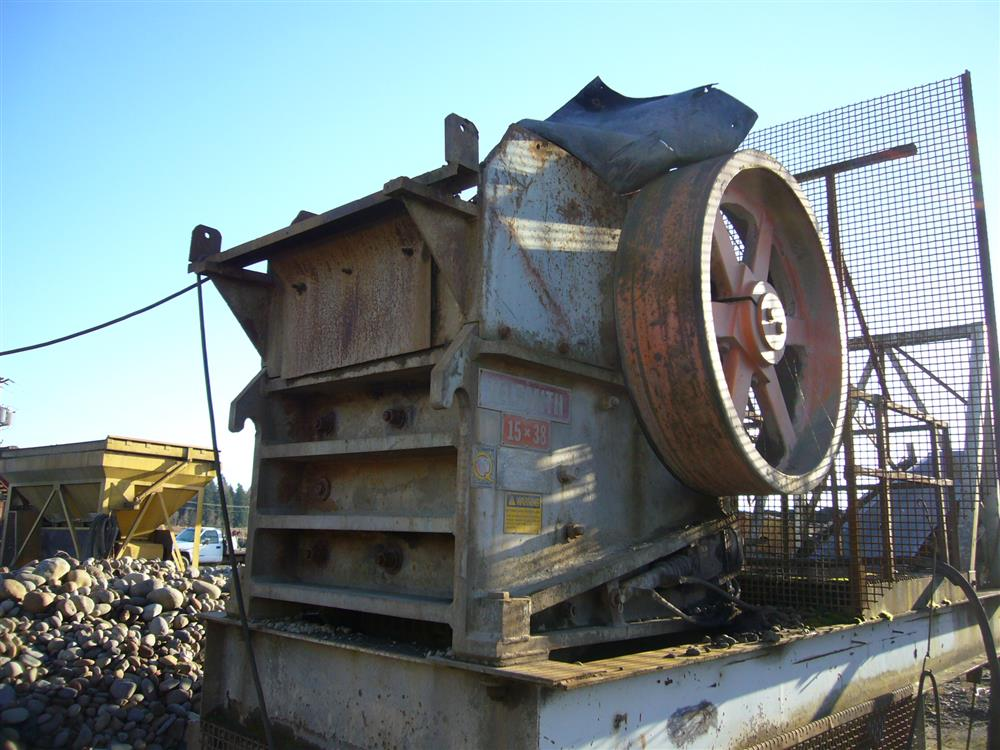 Image 15in x38in TELESMITH Jaw Crusher 690419
