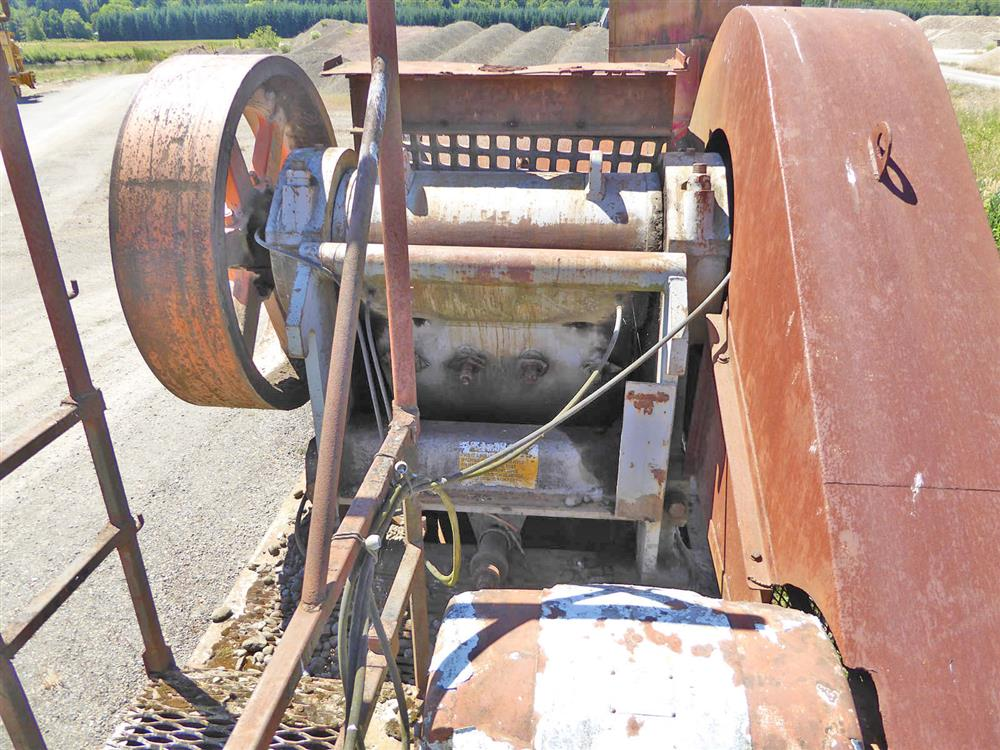 Image 15in x38in TELESMITH Jaw Crusher 690409
