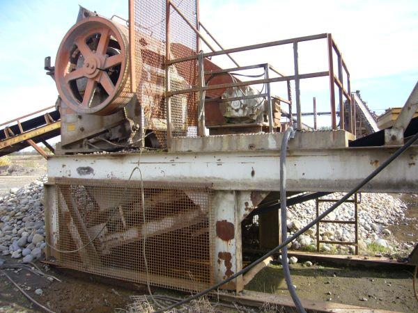Image 15in x38in TELESMITH Jaw Crusher 690411