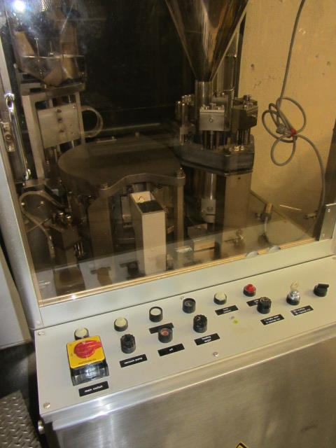Image BOSCH GKF 400 Capsule Filler With Size 1 Change Parts  676724