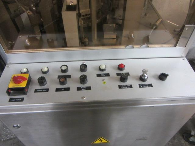 Image BOSCH GKF 400 Capsule Filler With Size 1 Change Parts  676725