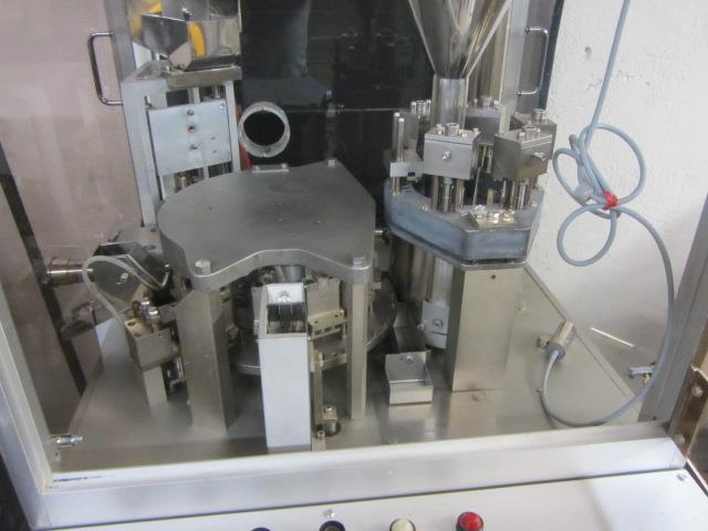 Image BOSCH GKF 400 Capsule Filler With Size 1 Change Parts  676726