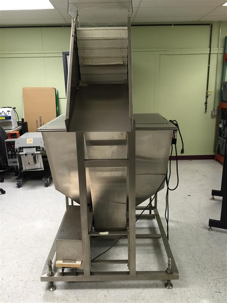 Image HOPPMANN Cleated Conveyor Elevator 677175