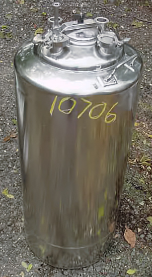 Image Medical Grade Pressure Rated 140 Liter Holding Tank 680953