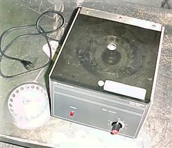 Image FISHER SCIENTIFIC Laboratory Centrifuge 680983