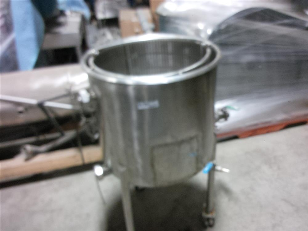 Image 30 Gallon Stainless Steel Tank 681228
