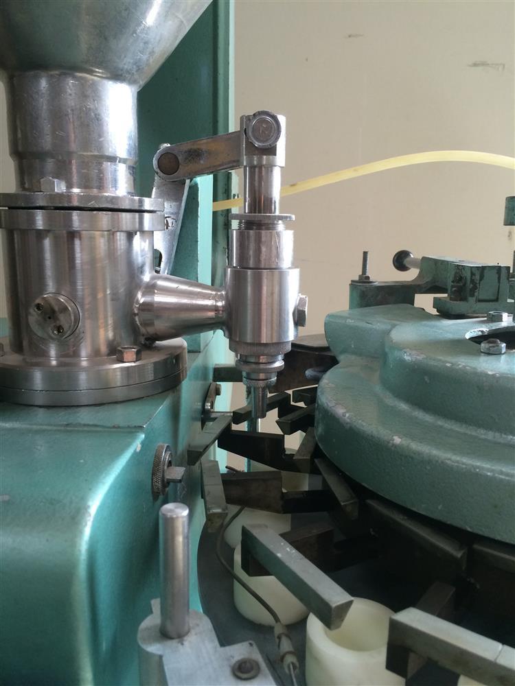 Image 16 Station KALIX DUPUY KX-14 Cream Filler / Sealer for Plastic Bottles 681653