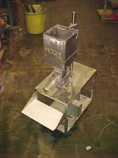 Image WEIGHT RIGHT Volumetric Vibratory Pan Filler 681954