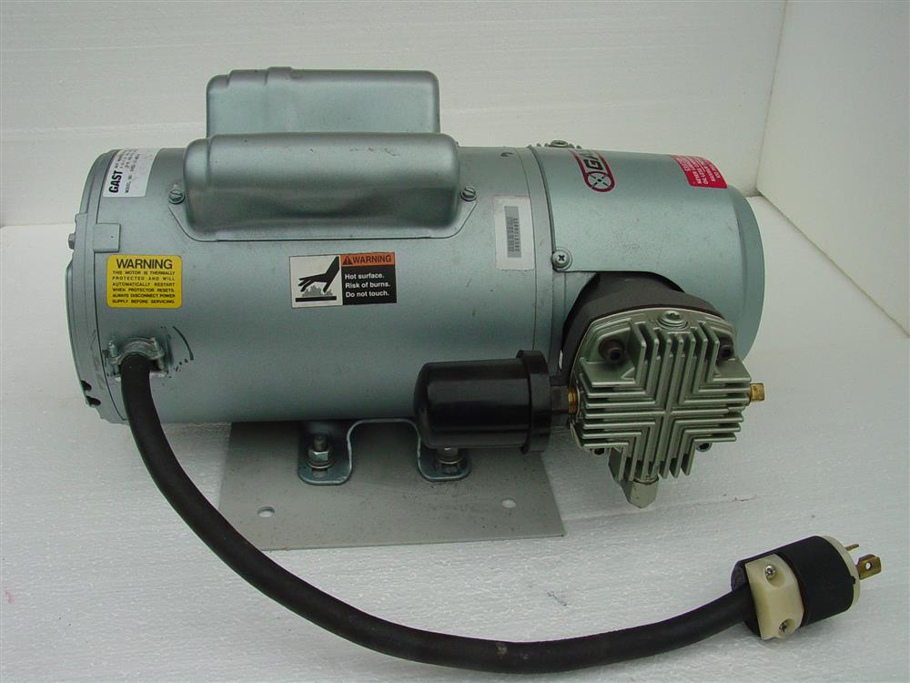 Image GAST Reciprocating Oil-Less Piston Air Compressor/Vacuum Pump 682169