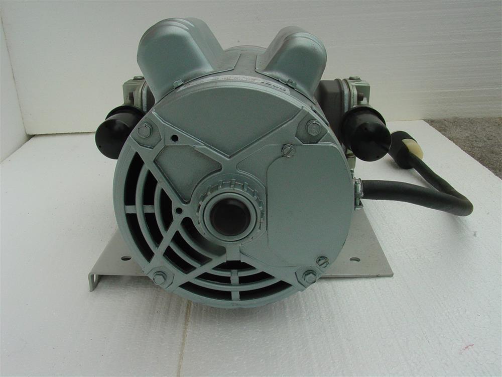 Image GAST Reciprocating Oil-Less Piston Air Compressor/Vacuum Pump 682171