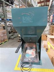 236096 - 12In X 17In Vibratory Hopper Parts Feeder