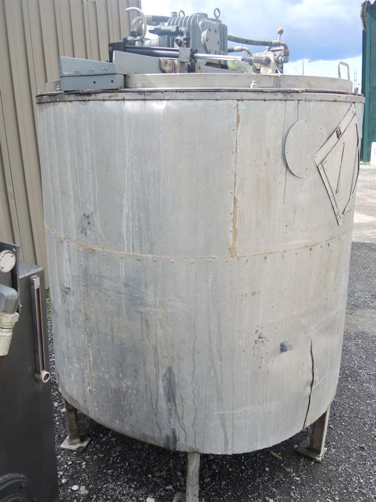 Image 1080 GALLON (2 X 540 GALLON) Hydraulically Driven Mixing System 693029