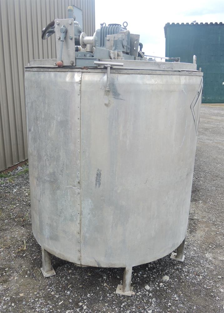 Image 1080 GALLON (2 X 540 GALLON) Hydraulically Driven Mixing System 693015