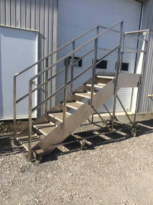 ... Image INOX Mobile Staircase 695130