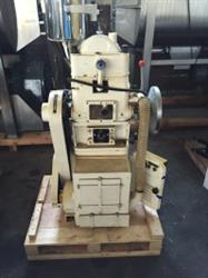 240182 - 15 Station NOAH Tablet Press