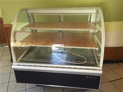 250570 - TURBO AIR Pastry Case