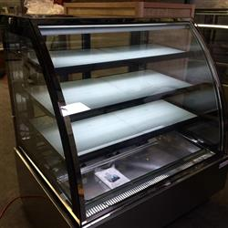 260429 - Refrigerated Cake Show Cases