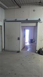 264303 - Refrigerated Sliding Cooler Door