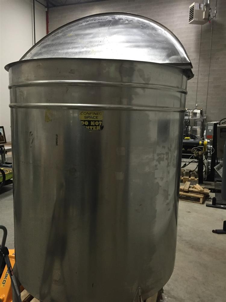 500 Gallon Approx Single Wall Stainless Steel Mix Tank