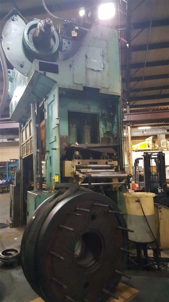 Danly Hydraulic Press Mod 267676 For Sale Used