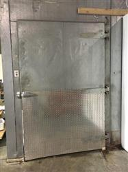 272048 - RUSSELL Walk-In Freezer