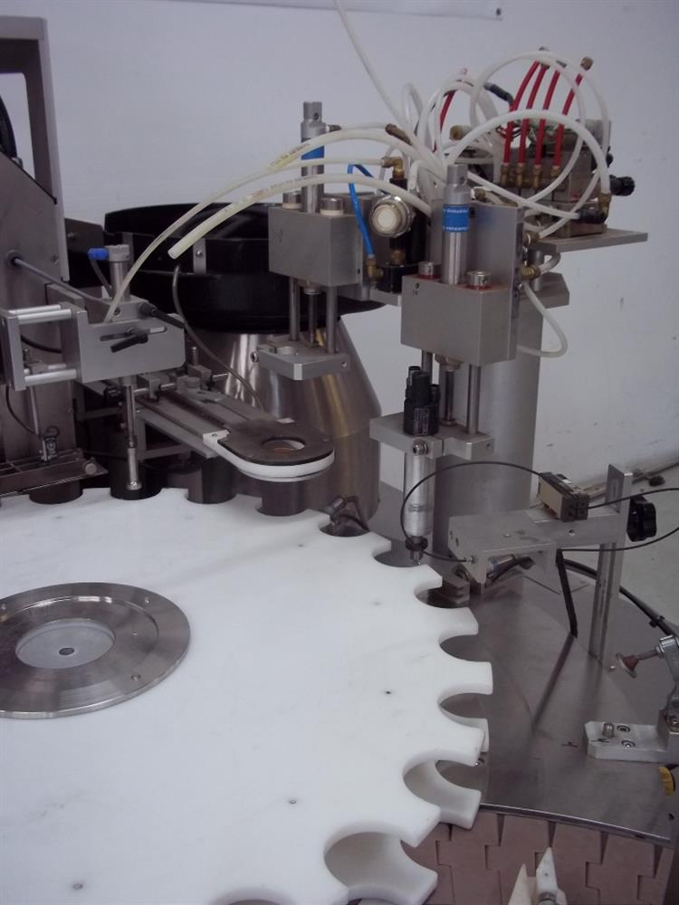 Image KALISH Monocount Capper for Tablet Line Including Cottoner and Dessicant Feeder 820731