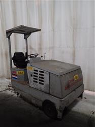 272205 - CLARKE AMERICAN-LINCOLN Electric Floor Sweeper