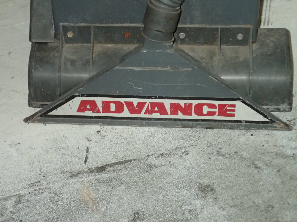 Advance aquaclean 262500 ca 276058 for sale used - Advance carpet extractor ...