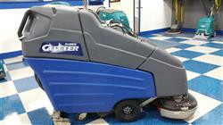 "276675 - 26"" WINDSOR CUTTER AutoScrubber Floor Scrubber Dryer with New Batteries"