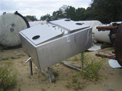 276789 - 300 Gallon Jacketed Milk Tank