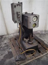 277801 - DETROIT TESTING MACHINE CO. DH-1 Hardness Tester