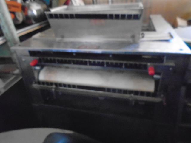 Image MONO AYRES JONES Baguette French Bread Moulder-Pizza Crust Sheeter 1380504