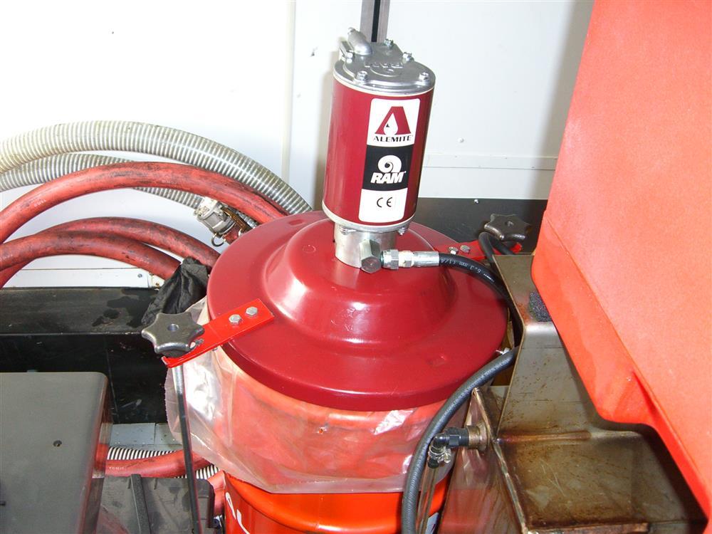 Image HAULMARK Mobile Oil Change Equipment 849178