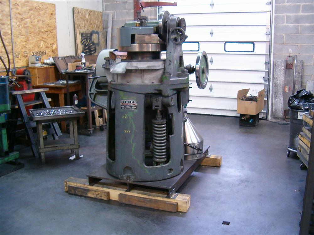 Image STOKES DDS2/517-1 Tablet Press 1465769