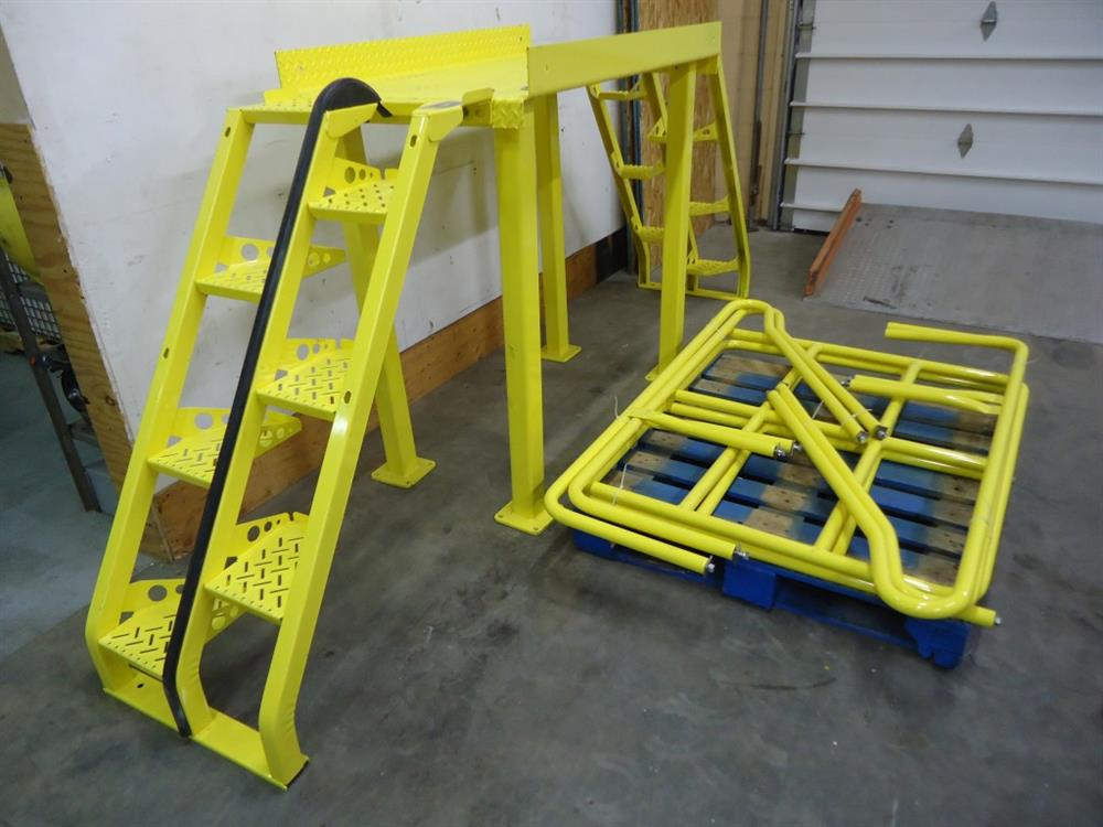 Crossover Stairs 858672; Image LAPEYRE STAIRS INC.