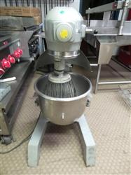 287197 - 20 Qt. HOBART A200 Dough Mixer with Bowl and Wire Wipe