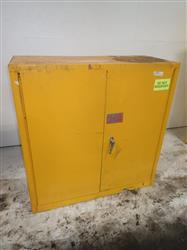 289759 - EAGLE 1932 Flammable Cabinet