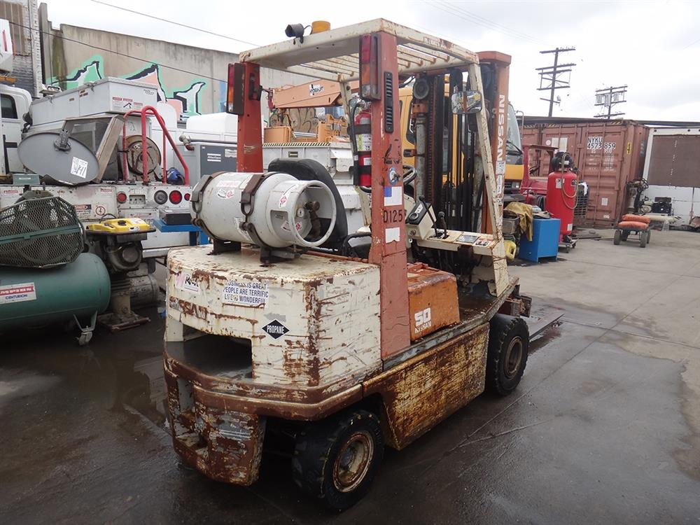 how to add water to nissan t30 forklift