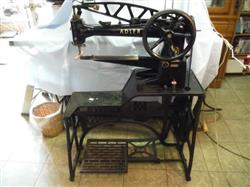 301311 - ADLER Long Arm 30-1 Black Leather Shoe Patching Sewing Machine with the Treadle Stand